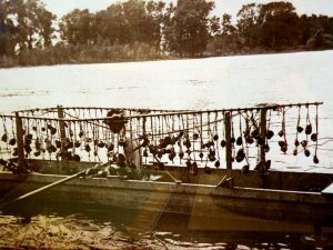 The Clamming Industry of the Upper Mississippi